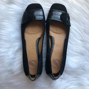 Nurture Women's Black Loafers